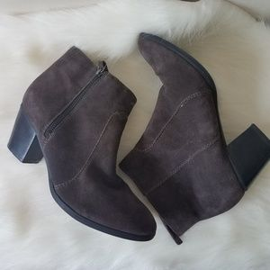 Bass maxine leather ankle boots size 9